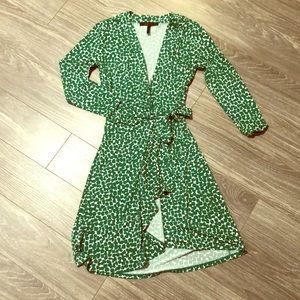 🎉 BCBG Green Spotted Faux Long Sleeve Wrap Dress